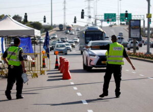 اسرائيل مخاوف بسبب مُسافر مُصاب بسلالة كورونا الجنوب أفريقية عائد من «دبي»