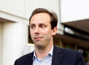 ترامب يُصدر عفوا عن مهندس سابق في شركة «غوغل»