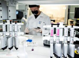 الدنمارك.. الكشف عن أول إصابة بفيروس كورونا الجنوب إفريقي