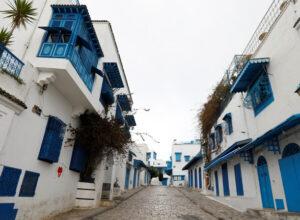 تونس.. 88 وفاة و2166 إصابة جديدة بكورونا