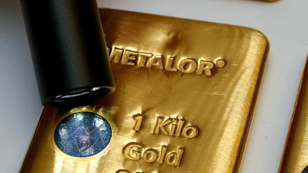 ارتفاع أسعار الذهب بفعل ضعف الدولار الأمريكي