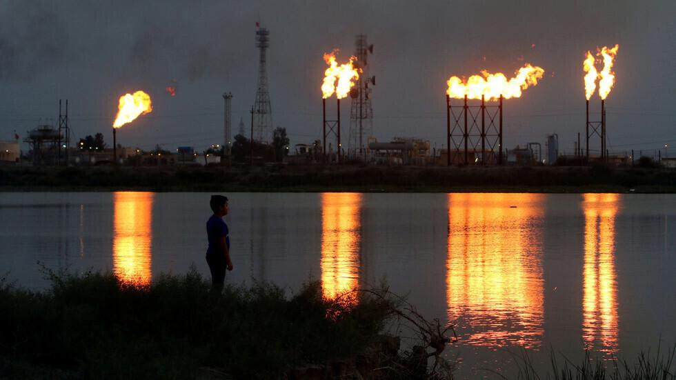 أسعار النفط تتجاوز 65 دولاراً للبرميل لأول مرة منذ العام الماضي