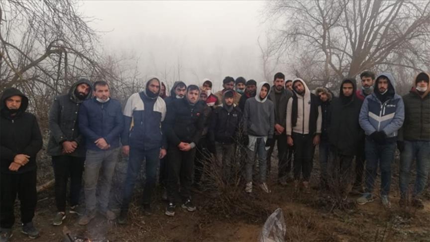 لاجئة أفغانية حامل تُضرم النار بنفسها في مخيم باليونان