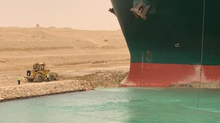 أسعار النفط تهبط بعد فتح قناة السويس