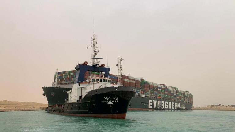 تراجع أسعار النفط مع إعلان استئناف حركة الملاحة في قناة السويس
