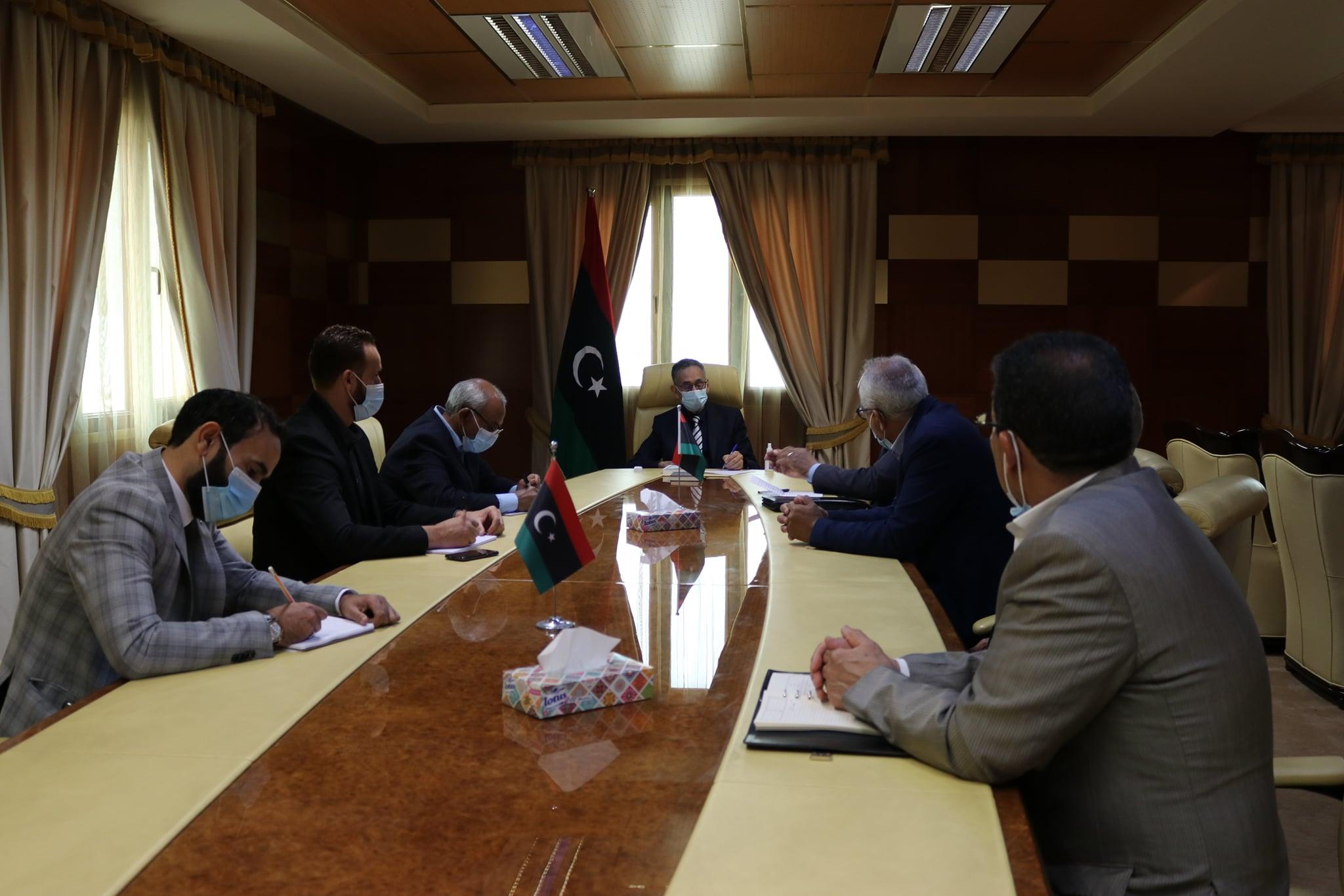 وزير الاقتصاد يُناقش سُبل تفعيل غرفة التجارة والصناعة الجفارة