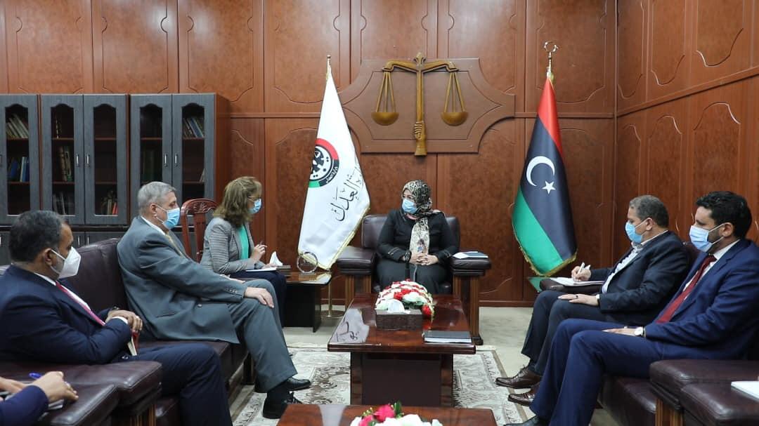 وزارة العدل بصدد اتخاذ إجراءات لإنهاء السجون الخارجة عن القانون