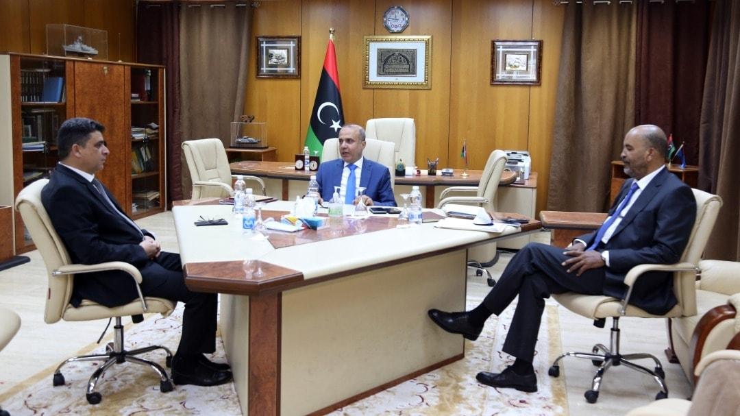 الرئاسي يُناقش ملف الكهرباء وتحسين أداء مؤسسات الدولة