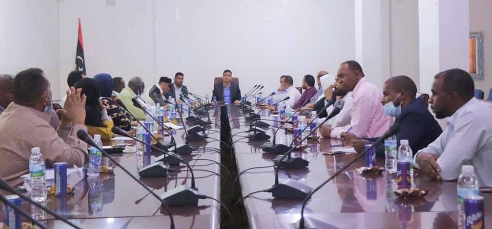 نائب رئيس الحكومة يتفقد الأوضاع ببلديات وادي الشاطئ