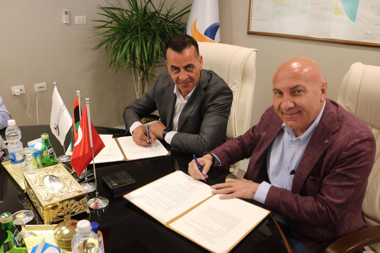 المنطقة الحرة مصراتة تُوقع اتفاقية تفاهم مع «يلدريم» التركية