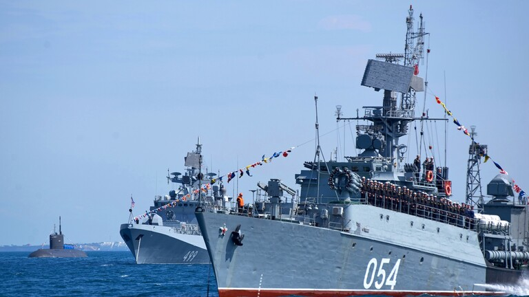 روسيا تتوعد منتهكي حدودها البحرية بالقصف