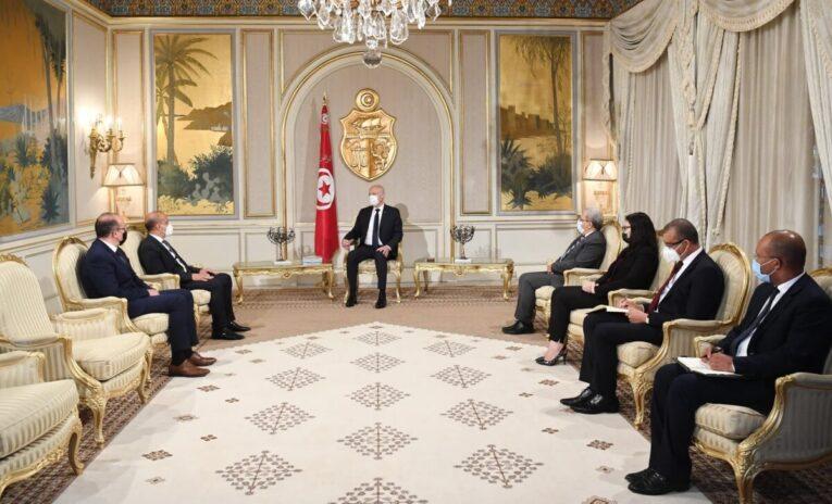 الرئيس التونسي يستقبل نائب رئيس المجلس الرئاسي