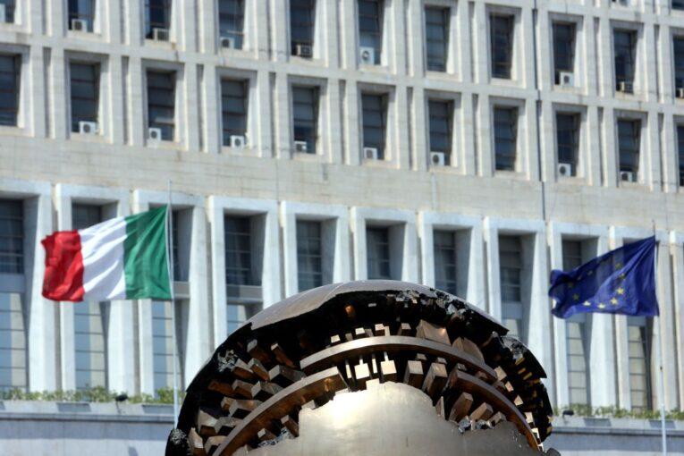 إيطاليا تُجدد التزامها بتحقيق الاستقرار في ليبيا