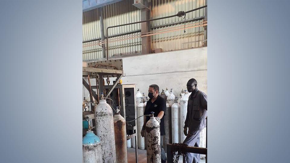 «الحديد والصلب» تُعلن عن توفير الأوكسجين الطبي مجاناً