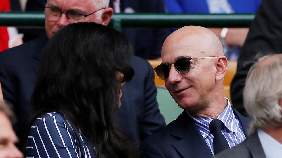 أغنى رجل في العالم يستقيل من منصبه في شركة «أمازون»