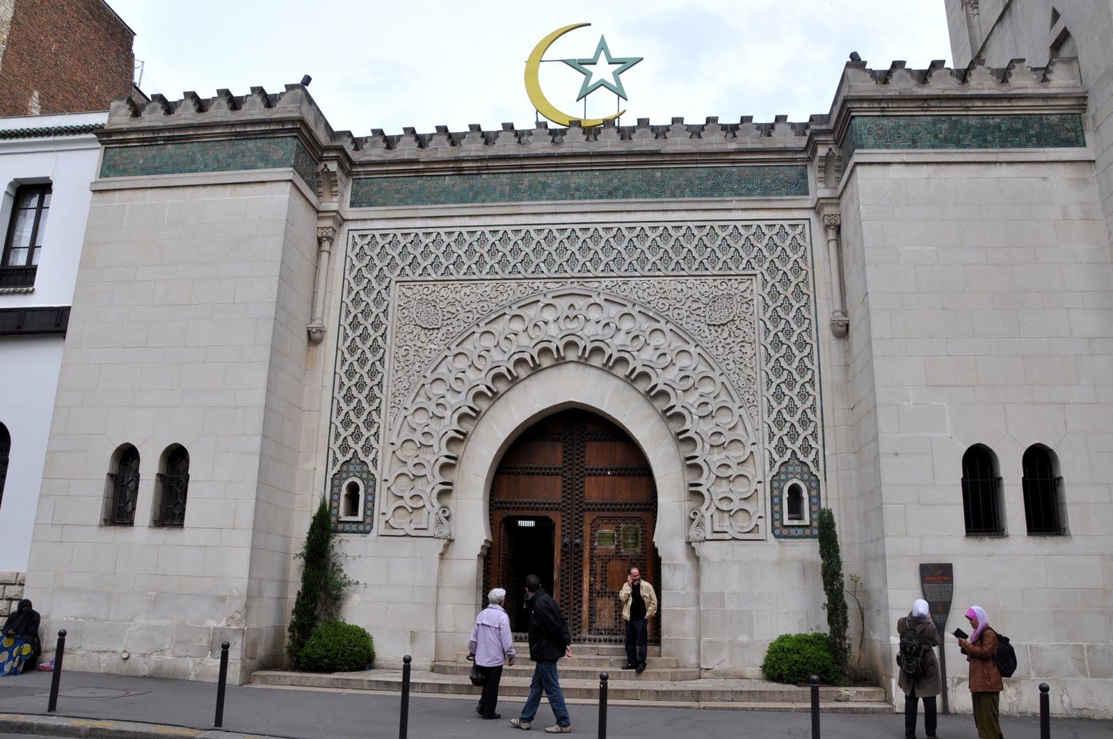 إقالة إمام مسجد في فرنسا لتلاوته آيات منافية لقيم الجمهورية