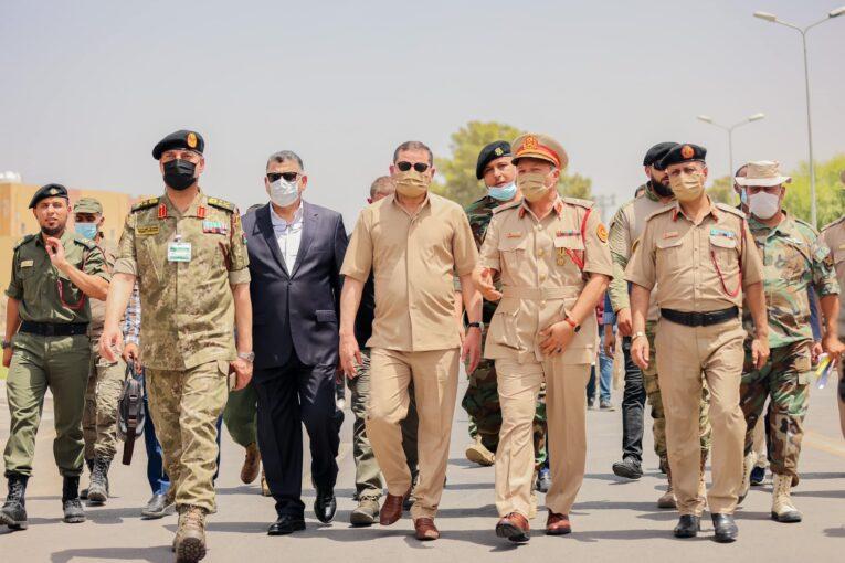 رئيس الحكومة يُجري زيارة تفقدية لمنطقة طرابلس العسكرية
