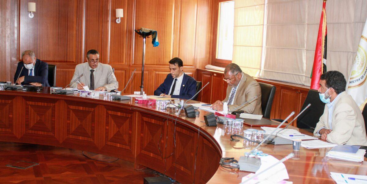 لجنة توحيد المرتبات تعقد اجتماعها الأول