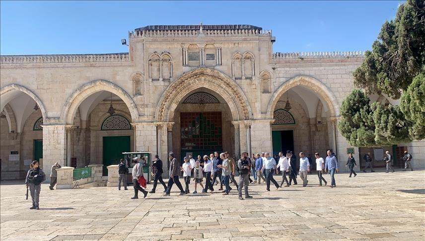 مستوطنون يُجددون اقتحاماتهم للمسجد الأقصى المُبارك