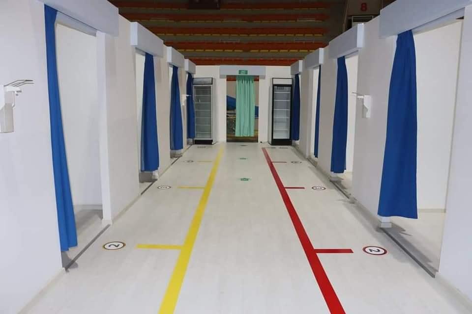وزارة الصحة تُعلن الانتهاء من تجهيز ثاني أكبر مركز لقاحات في ليبيا