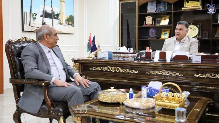 وزير الداخلية يُتابع سير العمل في حفظ الأمن ومجابهة كورونا