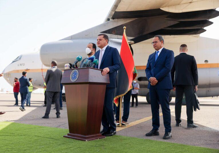 رئيس الحكومة يُعلن وصول شحنة ضخمة من لقاح كورونا