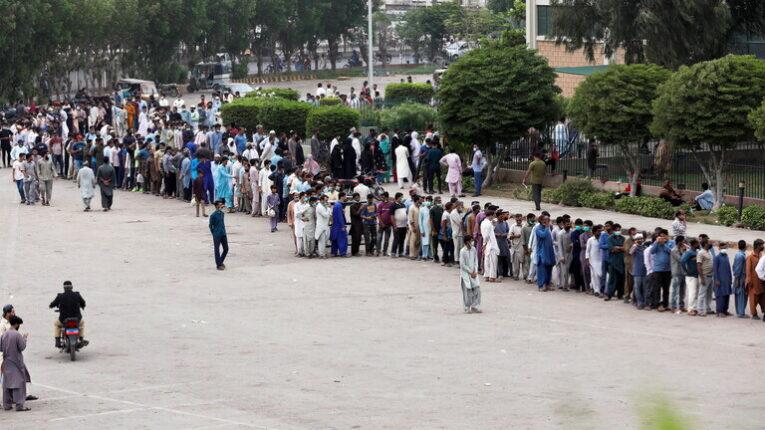 باكستان.. تطعيم مليون شخص يومياً