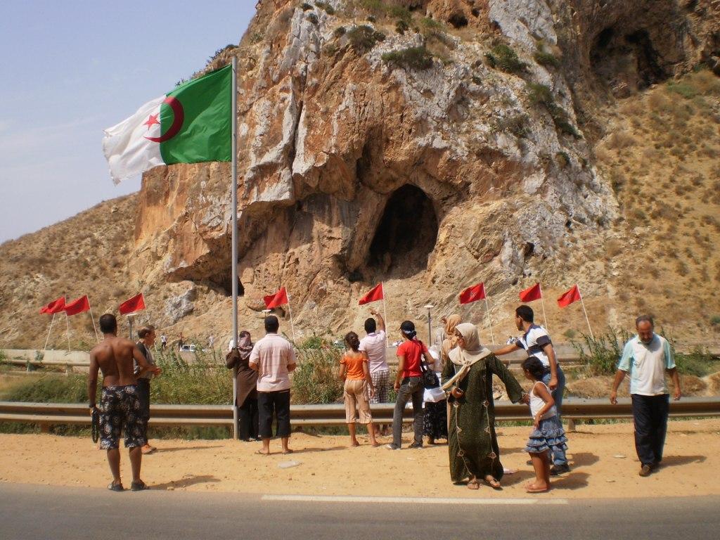 البرلمان العربي يدعو الجزائر والمغرب إلى تهدئة التوتر