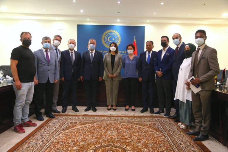 «المنقوش» تُشيد بالدعم التركي لقطاع الصحة في ليبيا