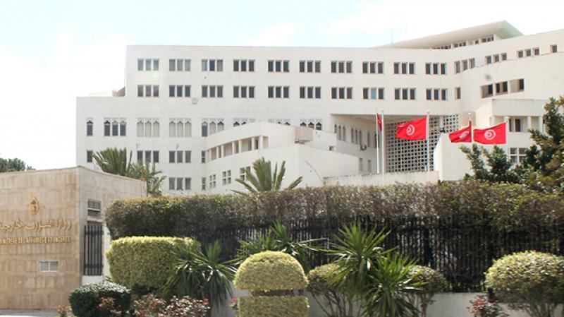 تونس تنفي شائعات منع دخول الليبيين إلى أراضيها