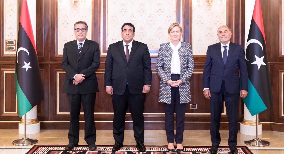 رئيس المجلس الرئاسي يعتمد عدداً من السفراء الجدد