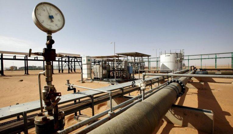 مؤسسة النفط تُرحب بقرار زيادة العلاوة الحقلية لموظفي القطاع