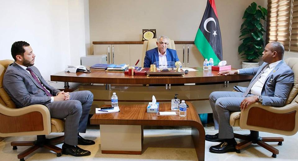 نائب رئيس الحكومة يبحث إتمام إجراءات توحيد وزارة الخارجية