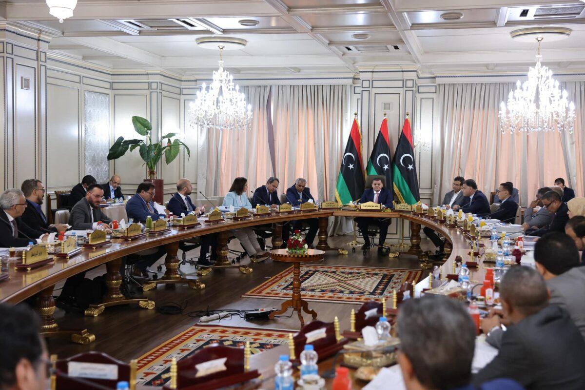 مجلس الوزراء يتخذ جملة من القرارات بعد اجتماعه العادي السابع