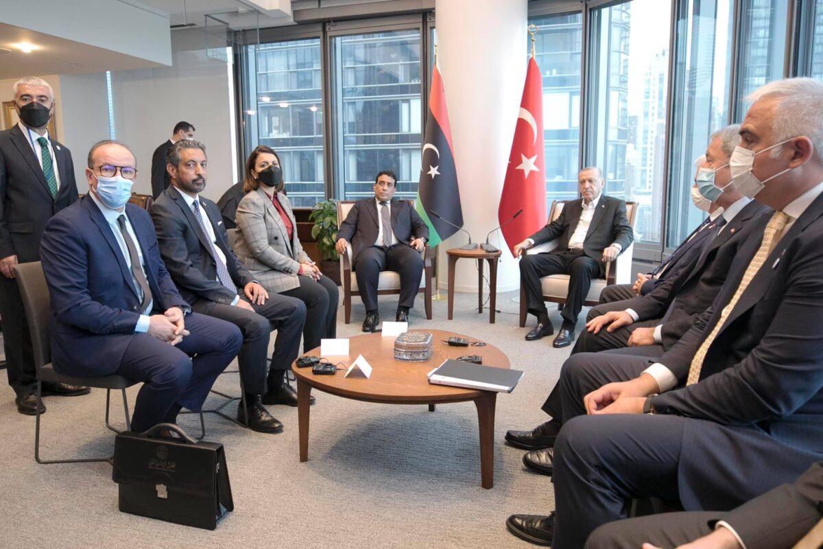 رئيس المجلس الرئاسي يلتقي الرئيس التركي