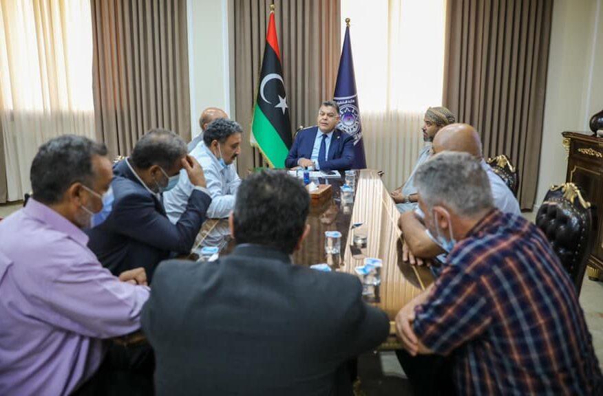 وزير الداخلية يستعرض الأوضاع الأمنية بمدينة الزنتان