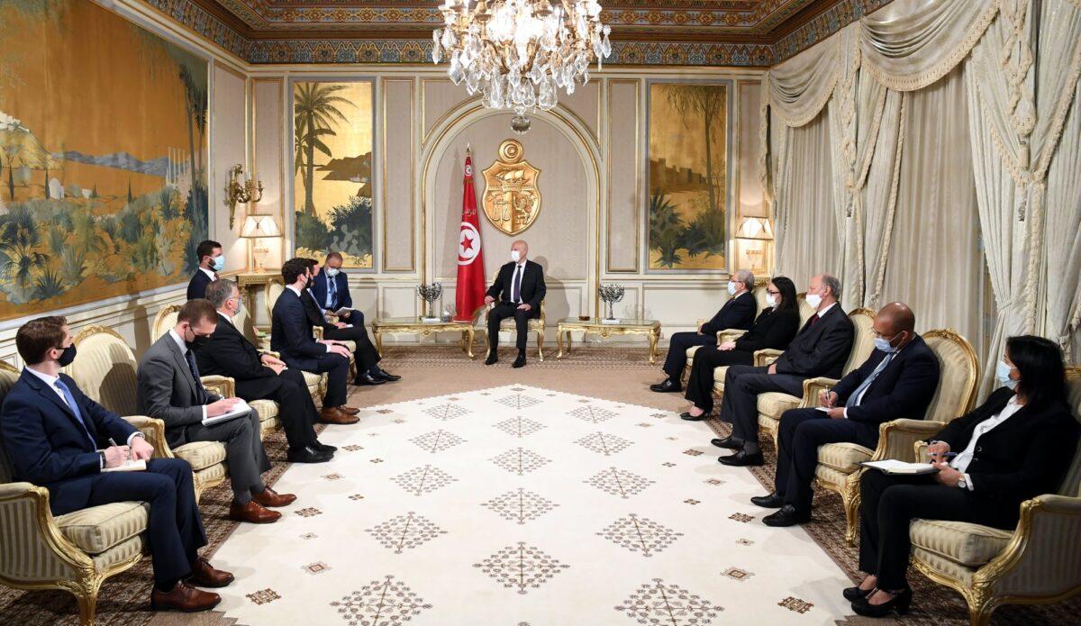 الرئيس التونسي: لم أقم بانقلاب وإنما استعملت نصاً دستورياً