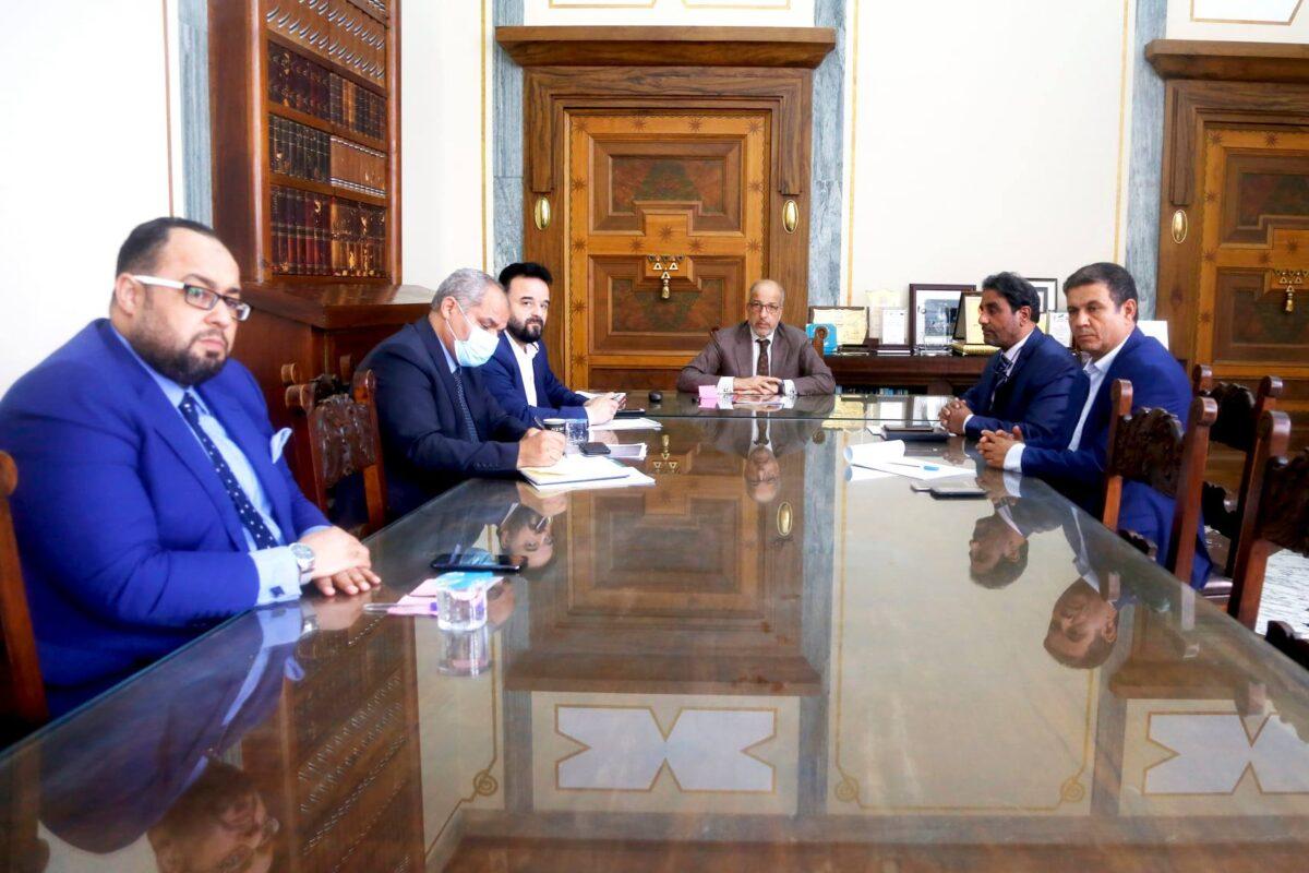 المركزي يُتابع مع لجنة برلمانية جهود توحيد المصرف