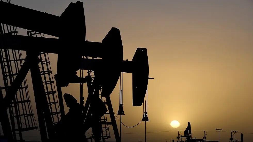 أسعار النفط تستقر فوق 75 دولاراً للبرميل