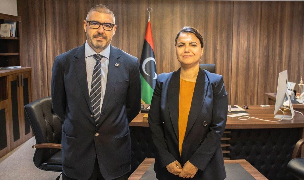 وزيرة الخارجية تستعرض أوجه الدعم المقدم من الاتحاد الأوروبي