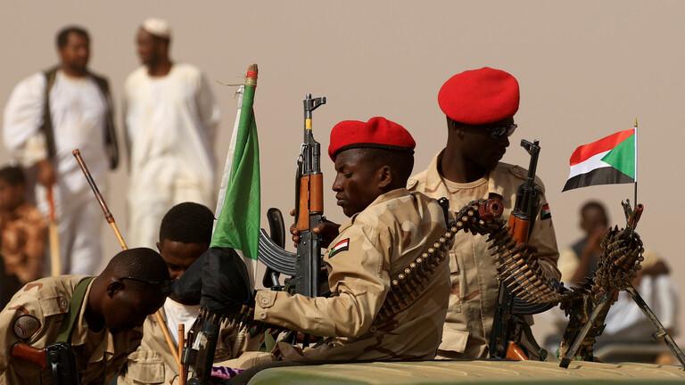 الجيش السوداني يضبط شحنة سلاح وذخائر قادمة من ليبيا