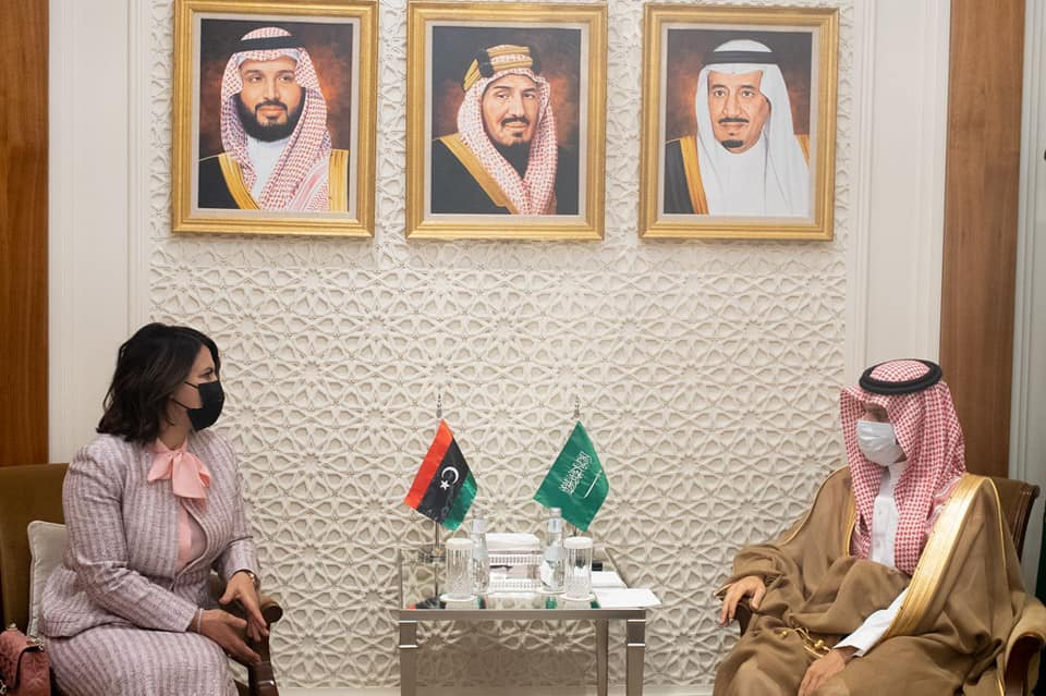 «المنقوش» تلتقي في الرياض نظيرها السعودي