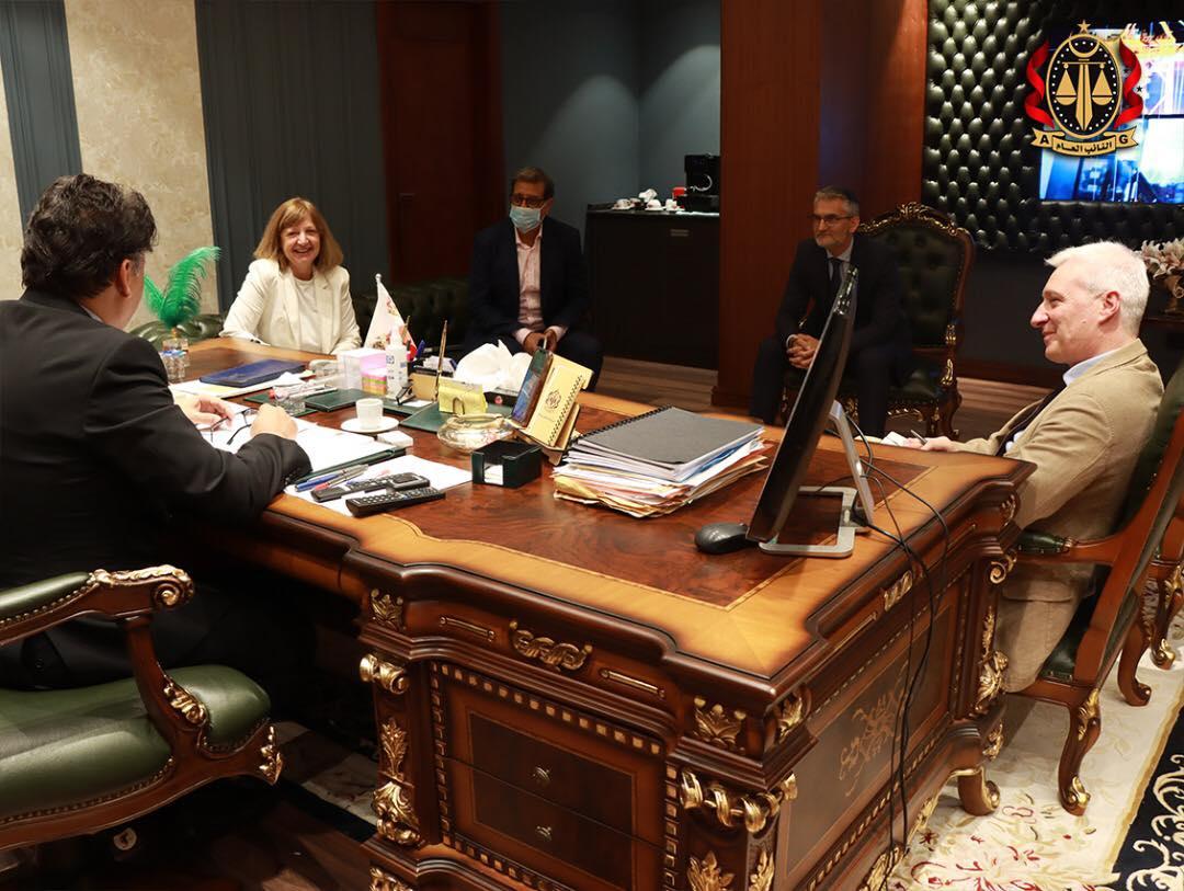 النائب العام يبحث تعزيز التعاون مع فرنسا في المسائل الجنائية