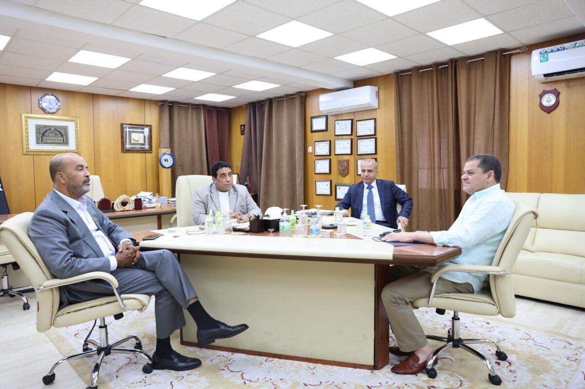 المجلس الرئاسي يلتقي رئيس حكومة الوحدة الوطنية