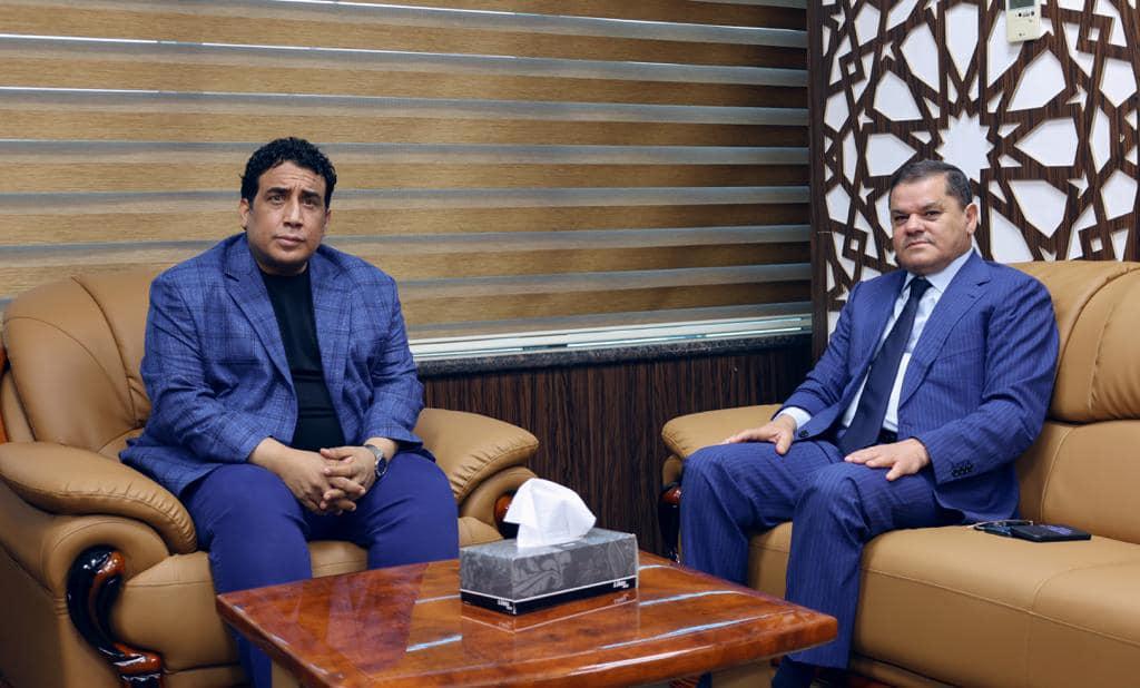 رئيس المجلس الرئاسي يجتمع برئيس الحكومة