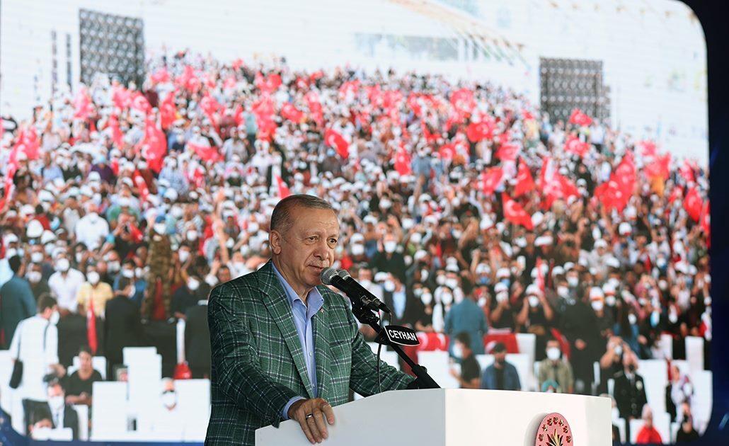 الرئيس التركي يدعو المستثمرين للاستفادة من الفرص في بلاده