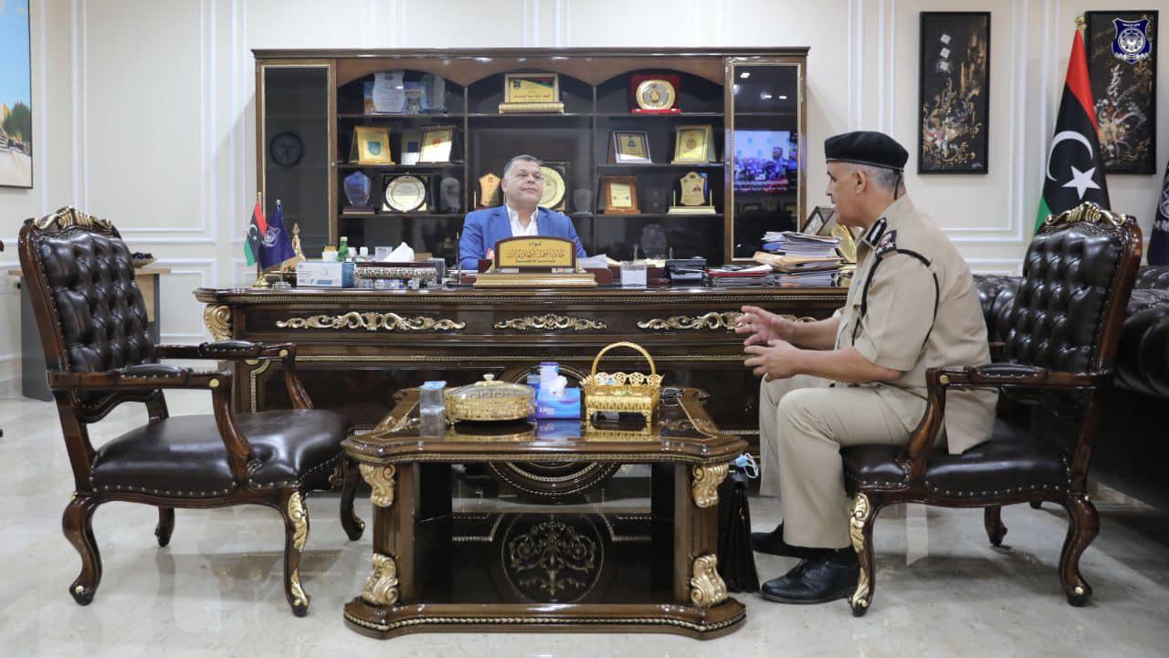 وزير الداخلية يستعرض الأوضاع الأمنية بمدينة سرت