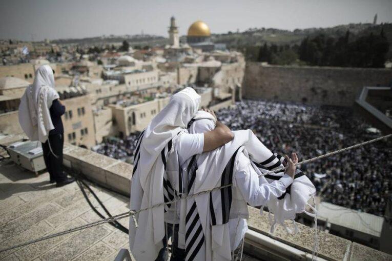 محكمة إسرائيلية تُقر بحق اليهود في أداء «صلاة صامتة» بالأقصى