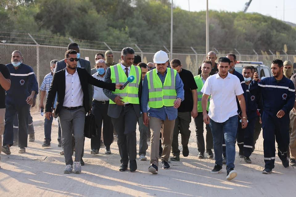 «الدبيبة» يتفقد مشروع محطة كهرباء غرب طرابلس