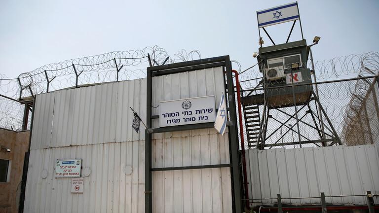 خطوات تصعيدية للأسرى الفلسطينيين في السجون الإسرائيلية